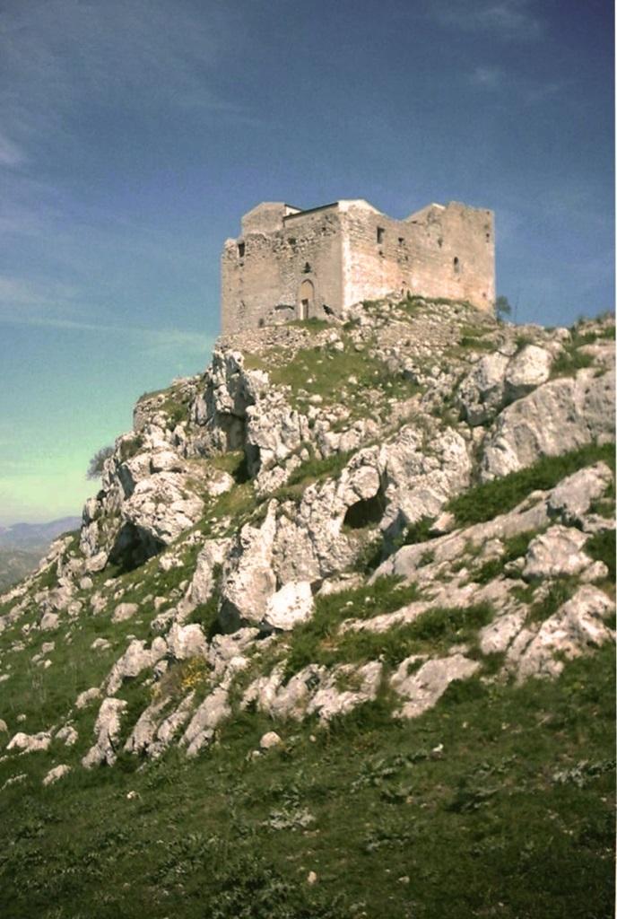 RACALMUTO castello di Gibellini o Castelluccio